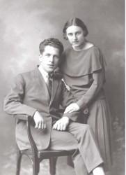 Verloving van Annie Dusek met Cor Thijssens